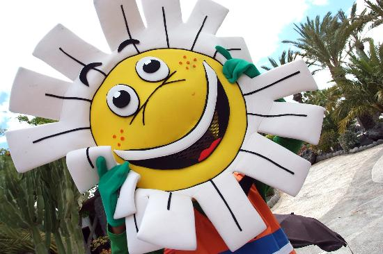 H10 Suites Lanzarote Gardens: Hello Daisy! The Hotels's mascot