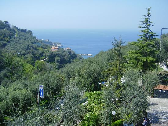 BEST WESTERN Hotel La Solara: View from our balcony towards Puolo beach