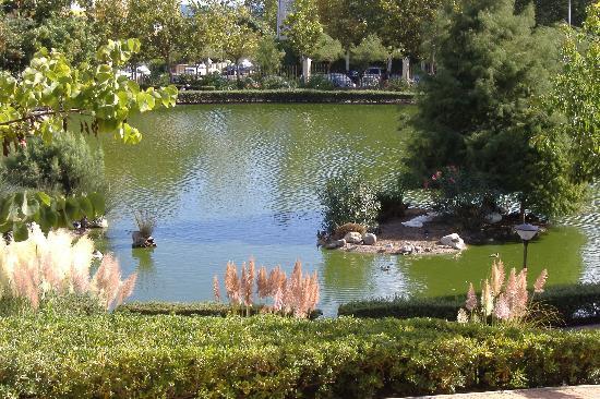 Hotel & Spa Benalmádena Palace: victorian park short walk away