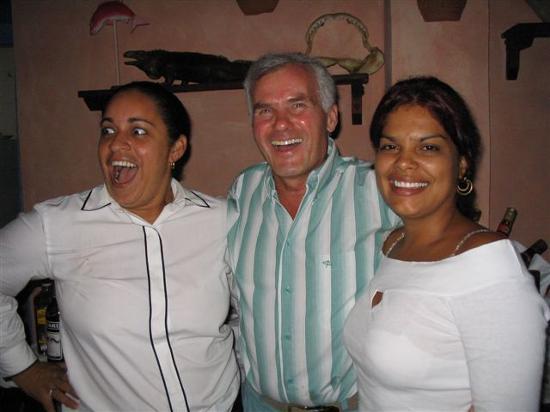 Club Amigo Carisol Los Corales: With Los Corales Lobby Barmaids