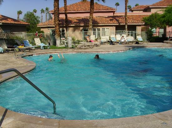 Residence Inn Palm Desert: Very nice poolscene