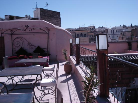 Riad Laaroussa Hotel and Spa: on the terrace