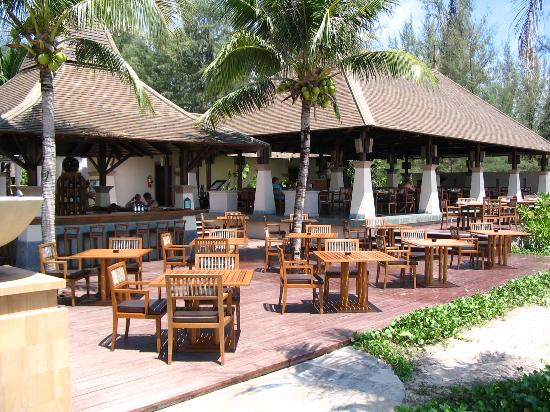 Layana Resort and Spa: Tides restaurant.