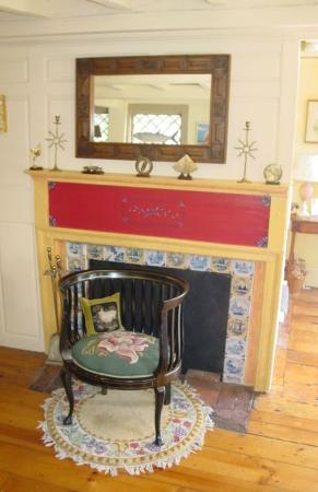 The 1720 House: 1720 House Fireplace