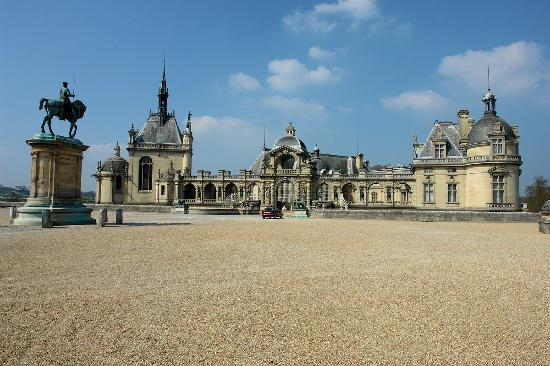 Chantilly Photo