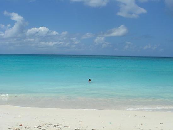 Cocobay Resort: Big Fryes Beach