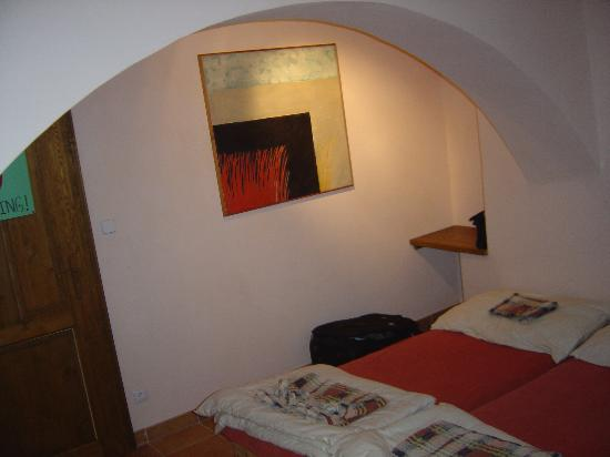 Hostel 99: one of the triple rooms