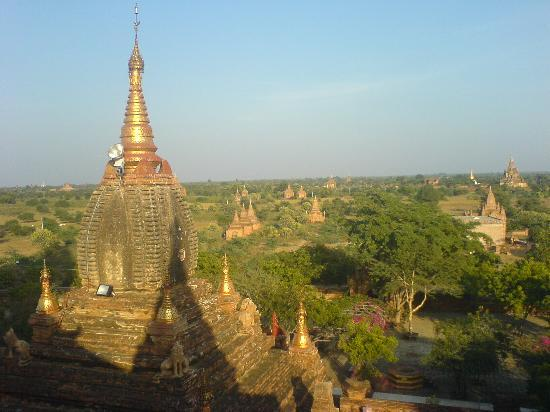 พุกาม, พม่า: Bagan(Old city more than 4,000 pagoda)