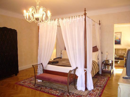 Smetana Hotel : Our bed
