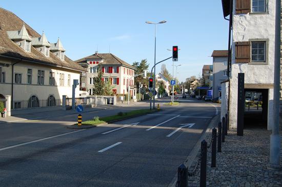 Romantik Seehotel Sonne: Street in front of hotel