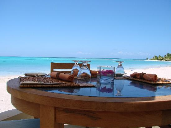 Jumby Bay Island: A table for two