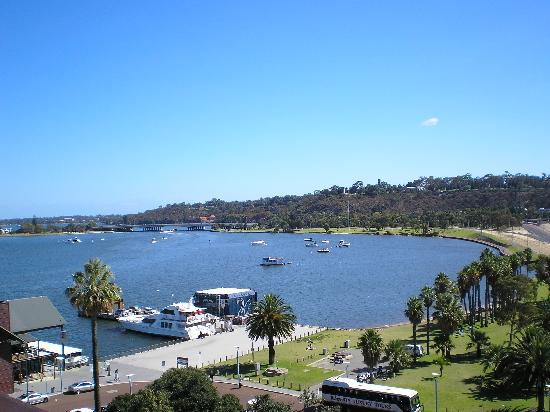 Perth, Australien: The beautiful Swan River