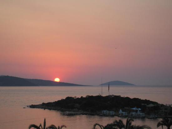 Rixos Premium Bodrum: the island that belongs to the hotel