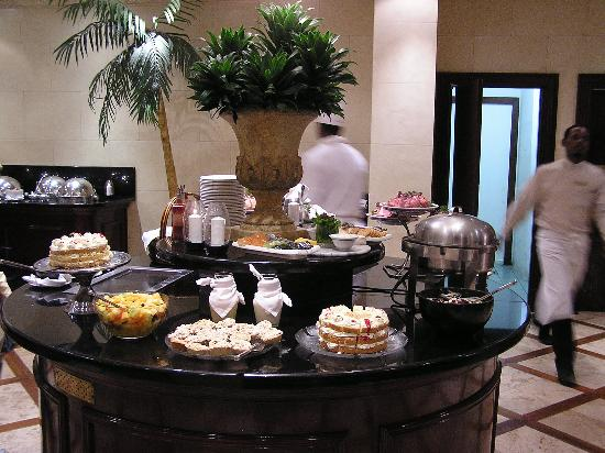 Protea Hotel by Marriott Durban Edward: Dinner Buffet