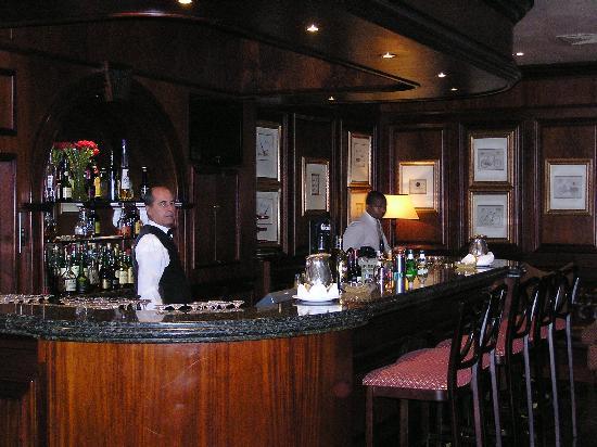 Protea Hotel Durban Edward: The Bar