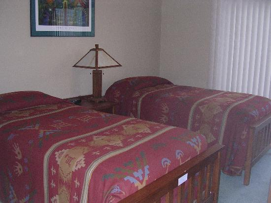 Villas of Sedona: second bed with sliders to patio