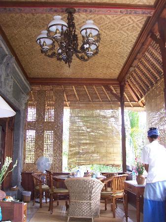 Alam Shanti : Veranda - beautiful detailing