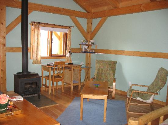 Timber Inn: Honeymoon Chalet - Sitting Area