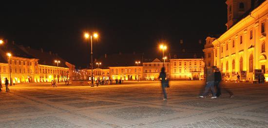 Sibiu, Romania: Sibui_town centre at night