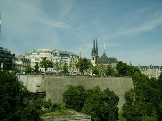Luxembourg City, Luksemburg: Rampar/Citylook out