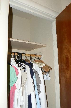 Sedona Rouge Hotel And Spa: No Closet Space