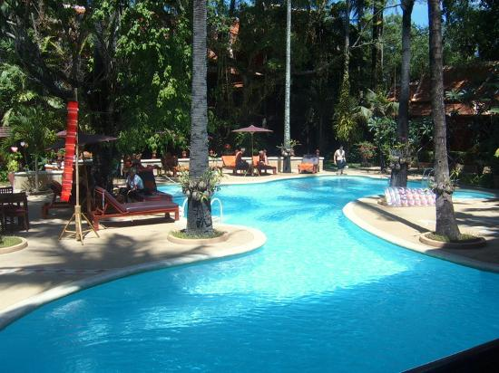 Royal Phawadee Village: Hotel pool