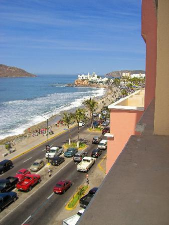 Hotel Don Pelayo Pacific Beach: view from balcony