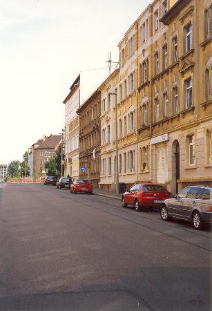 Hotel Adler Leipzig: Adler Hotel, Leipzig (just past bear left sign)