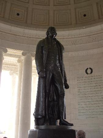Jefferson Memorial: Statue of Jefferson