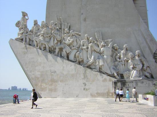 Lissabon, Portugal: Monumento a los descubridores