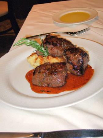 Wendall's Steak & Seafood Restaurant: Elk tenderloin