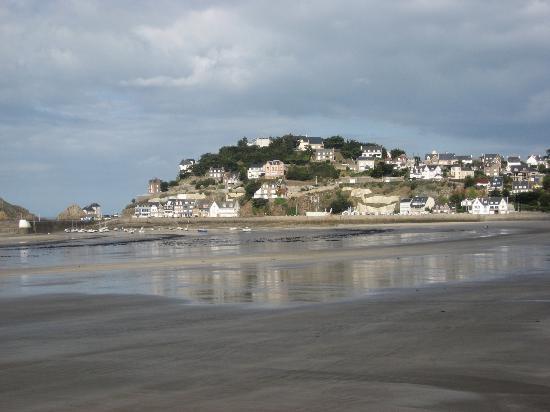 Bretagne, France : Val Andre low tide