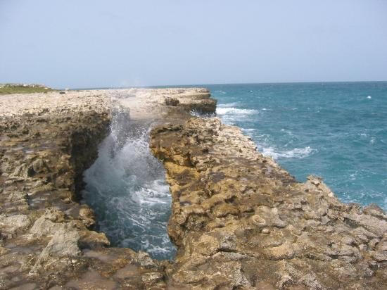 Antigua: Devil's Bridge