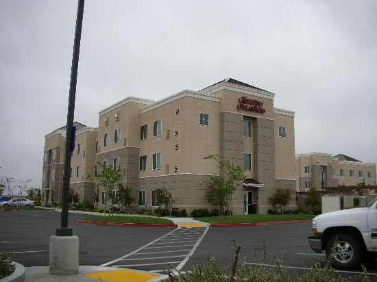 Hampton Inn & Suites Sacramento-Airport-Natomas: Exterior of Hampton Inn - Airport