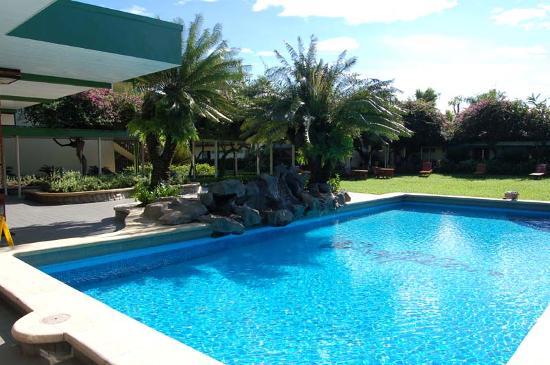 Fiji Gateway Hotel: Pool 1