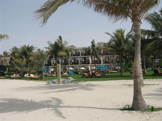 JA Jebel Ali Beach Hotel : view of hotel from beach