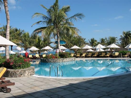 JA Jebel Ali Beach Hotel: one of the 3 pools