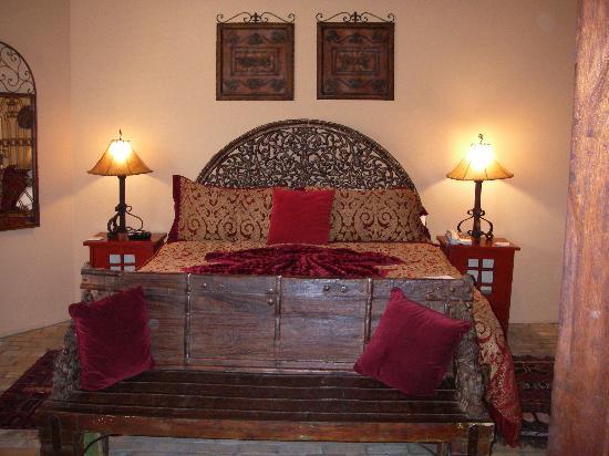 Adobe Grand Villas: Super Comfy bed......