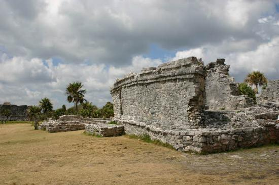 Rovine Maya di Tulum: A bit cloudy but hot!