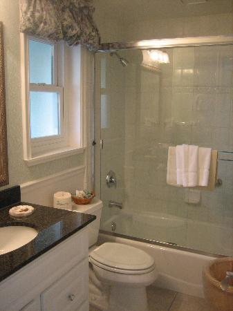 Newly redone bathroom - Picture of Carmel Bay View Inn ...