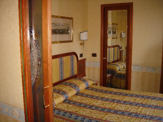 內葛諾酒店照片