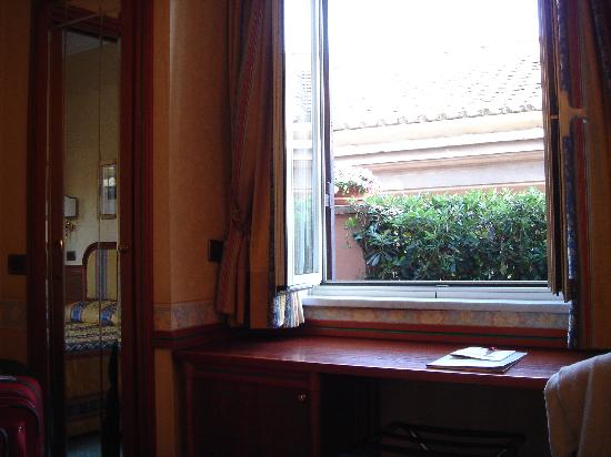 Hotel Regno: Another view of room