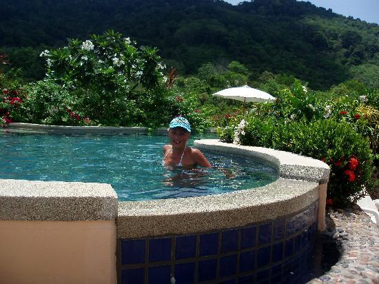 Pacific Club Resort : My girlfriend in pool