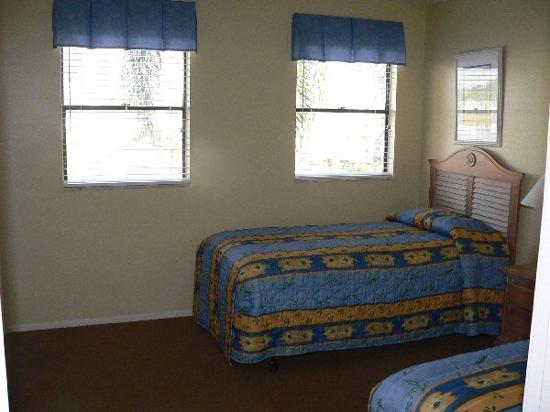 Villas at Fortune Place: Twin Bedroom
