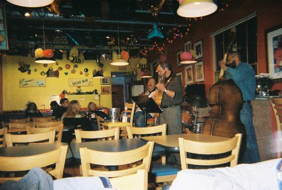 Chapelle Street Casitas: Live Music at Bumble Bees