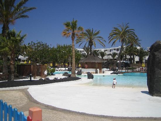 H10 Suites Lanzarote Gardens: Pool