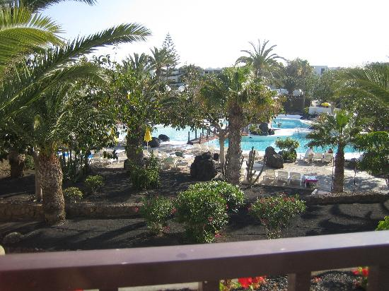H10 Suites Lanzarote Gardens: View from Balcony