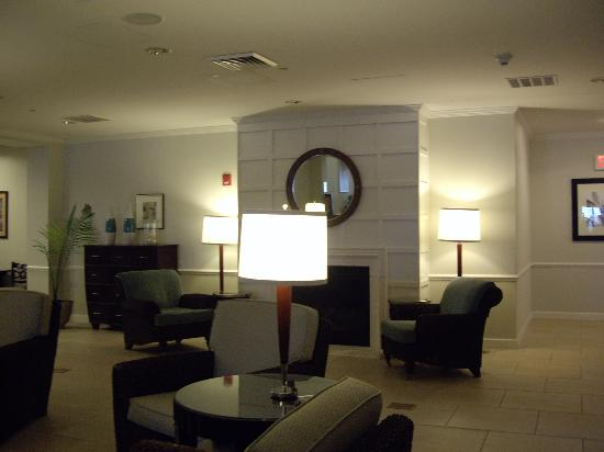 ‪‪Holiday Inn Manahawkin / Long Beach Island‬: The lobby‬