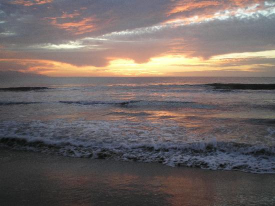 Bahia del Sol Resort: Sunset at Bahia del Sol