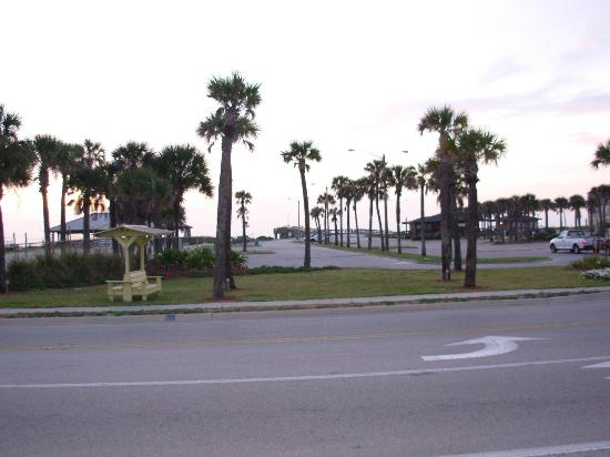 Super 8 St. Augustine Beach: Pier Park across the street